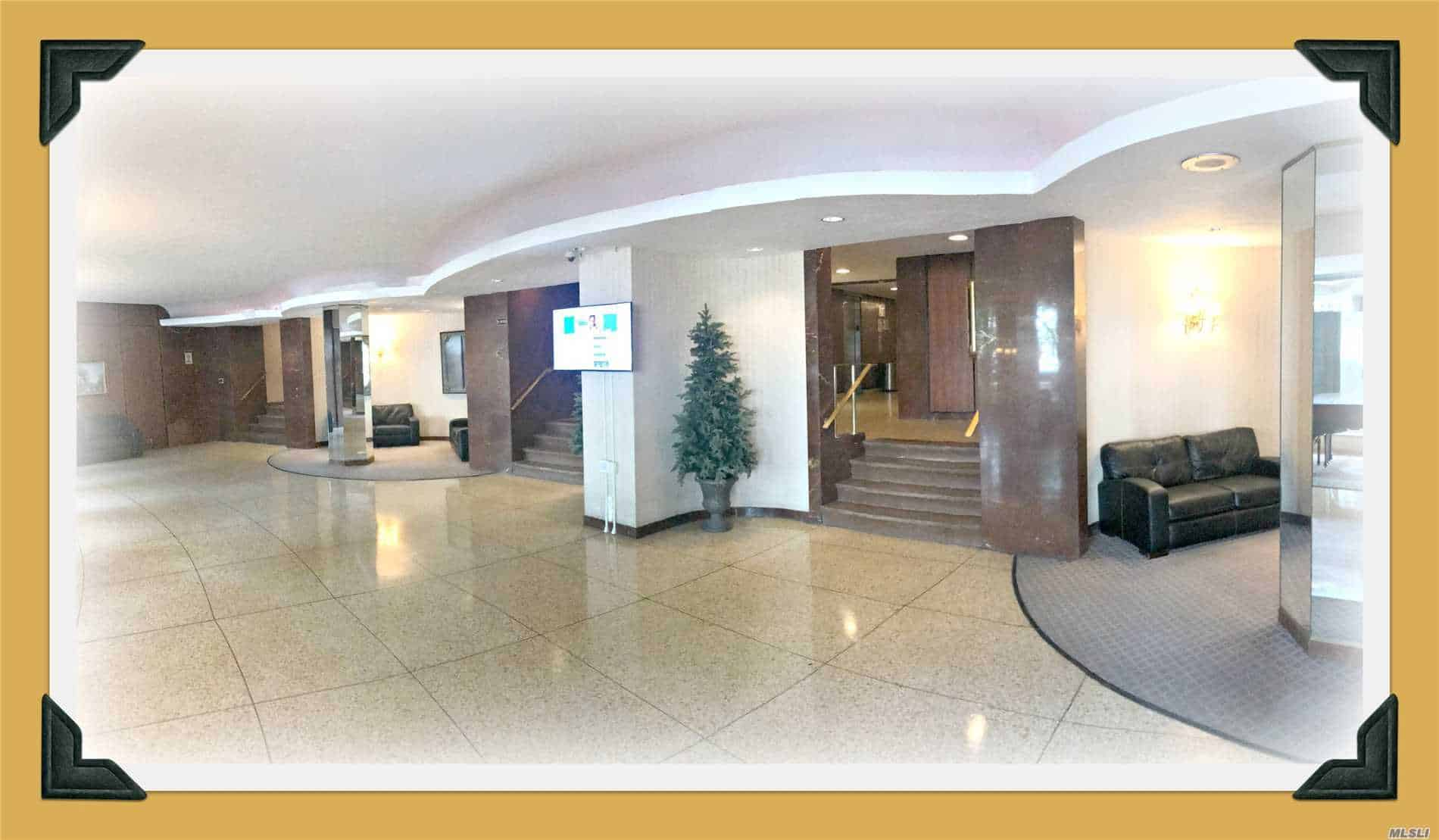 Lobby in Forest Hills